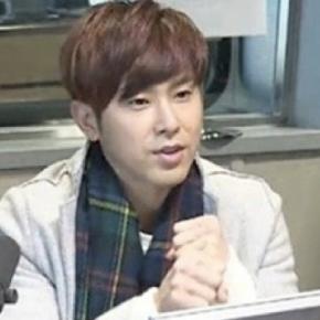 [NEWS] 140115 Yunho de TVXQ fait la promotion de son ami proche Park SangHyuk