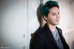 [PIC] 150304 Junsu – Interview avec SINA + '2015 XIA Flower Concert in Osaka'