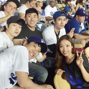 [PIC] 151016 Changmin sur divers comptes instagram – match de baseball àLA