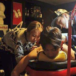 [PIC] 151101 Changmin chez le tatoueur (pourHalloween)