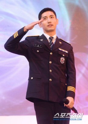 [PIC] 160831 Changmin au '5th Police Human Rights FilmFestival'