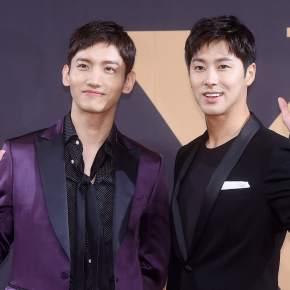 [TRAD] 171030 – Les 8 fois où Yunho et Changmin de TVXQ! nous ont fait rire avec leur dynamiqued'équipe