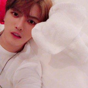 [PIC+VID+TRAD] 171125 Twitter et Instagram deJaejoong