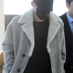 [PIC] 171118 Jaejoong à l'aéroport d'Incheon → HongKong
