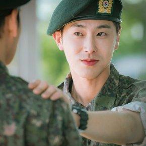 [PIC] 171106 Yunho – Starcast : homme ordinaire → soldat → retour à l'étudiant radieux ! La transformation en 3 étapes de l'acteurU-Know