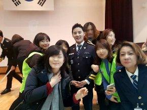 [PIC+VID+INFO] 171214 Junsu – Evénement avec la police + divers comptesInstagram