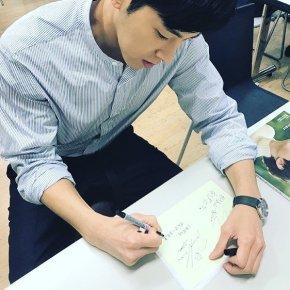 [PIC] 171228 Yunho sur l'Instagram du magazineCREA