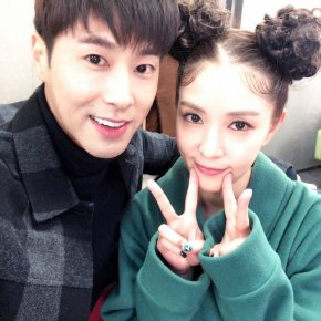[PIC+TRAD] 180201 Yunho soutient BoA en pleincomeback