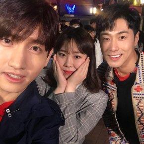 [PIC] 180326 TVXQ! à Hongdae pour le tournage de 'Guerilla Date' (EntertainmentWeekly)