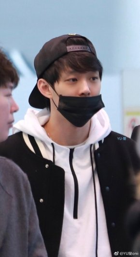 [PIC] 180312 Yoochun à l'aéroport (Tokyo → Corée duSud)