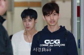[PIC] 180319 TVXQ! à l'aéroport de Gimpo, de retour enCorée