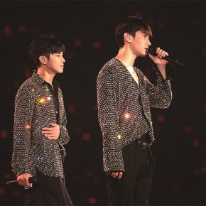 [PIC+VID] Tohoshinki LIVE DVD & Blu-ray「東方神起 LIVE TOUR 2017 ~Begin Again~」(Photo Gallery + TV spots)